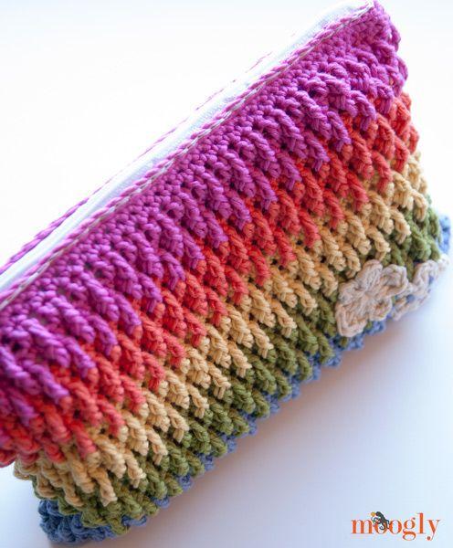 Rainbow Happy Fun Pouch :: Free Crochet Pattern from Moogly blog