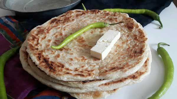 Türkisches Brot aus der Pfanne - Tavada Tereyağlı Katmer