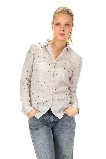 CamicettaSnob - Camicie - Abbigliamento - Camicia in lino con abbottonatura a vista con micro ricamo geometrico. La nostra modella indossa la taglia /EU 40. - ECRU - € 129.00
