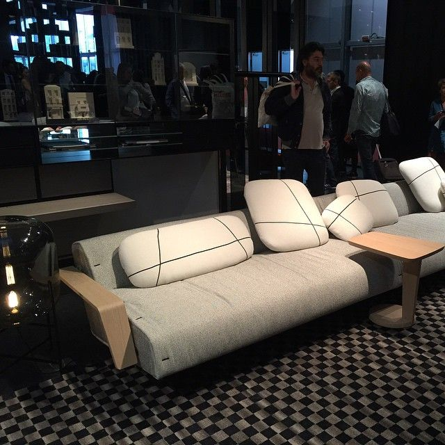 Straight from the Milan Fair 2015- check out this sofa from Poliform. Photo credit dad.arq.br