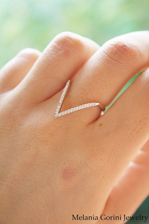 V-shaped ring 925 sterling silver and by MelaniaGoriniJewelry