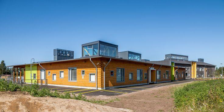 pudasj rvi log campus edificios finlandia y escolares. Black Bedroom Furniture Sets. Home Design Ideas