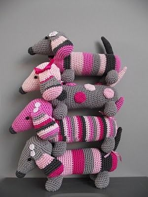 Precious little Dachshund crocheted amigurumi found via Willewopsie// too cute