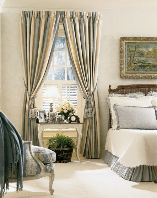 Vertical Striped Drapes Create A Beautiful Two Tone Effect When Pulled Back We Love
