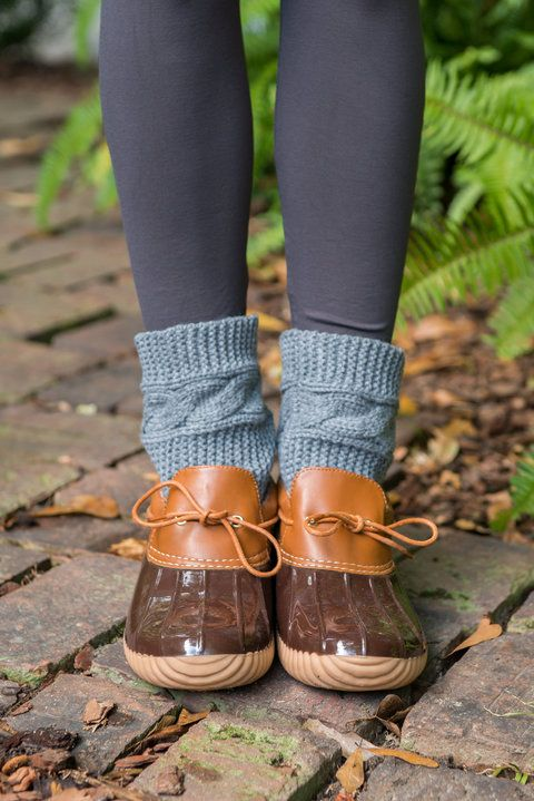Ducks boots are back and they are too cute and functional! Wear these moc duck boots when skies are gray to keep your feet dry and outfit stylish!