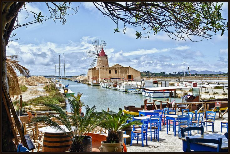 """""""Mamma Caura"""" bar-restaurant in the """"stagnone"""" of #Marsala, Sicily 