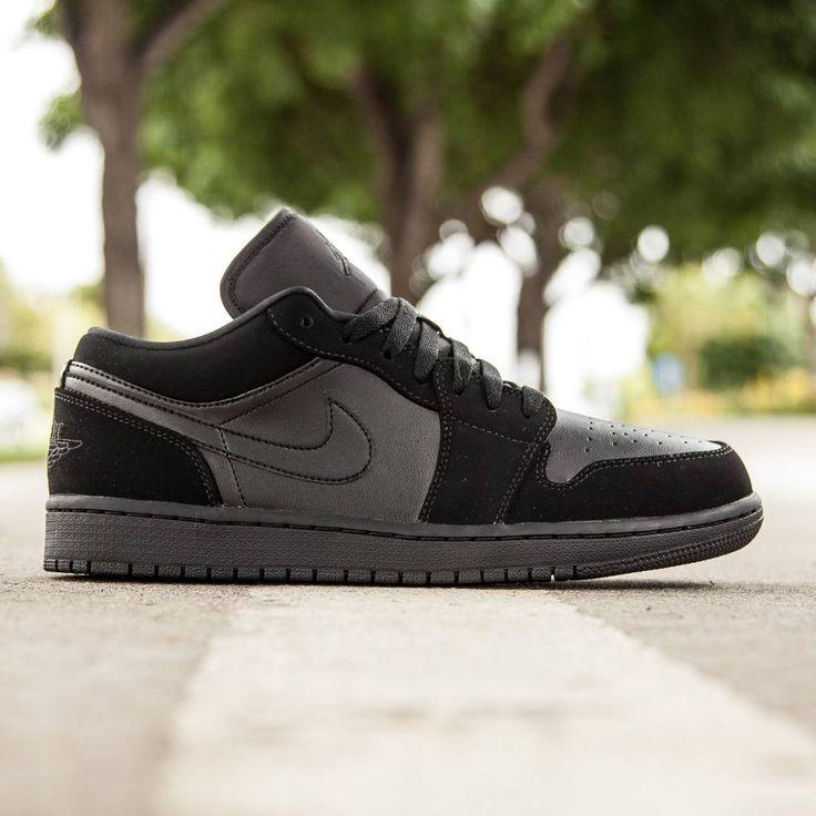 Jordan Men Air Jordan 1 Low (black / black / black)