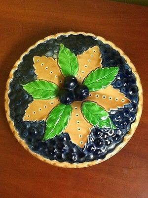 Pretty blueberry plate with decorative lid & 33 best Vintage Pie Plates images on Pinterest   Pie plate Dish and ...