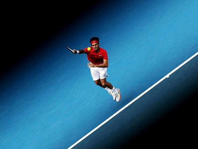 Federer serving at 2012 Australian Open