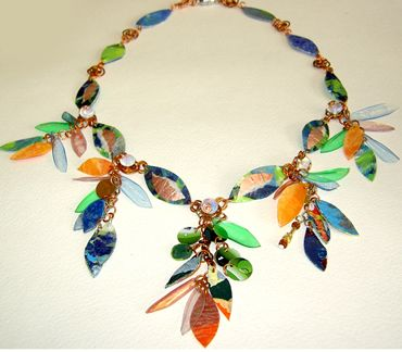 Gorgeous green jewelry made from plastic bags bottles for Jewelry made from plastic bottles