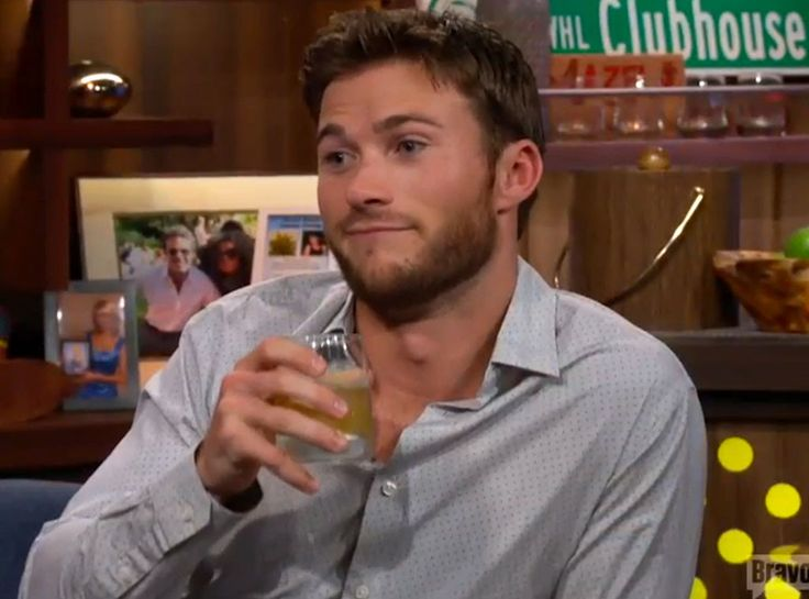 Scott Eastwood Claims Ashton Kutcher Slept With His Girlfriend ...