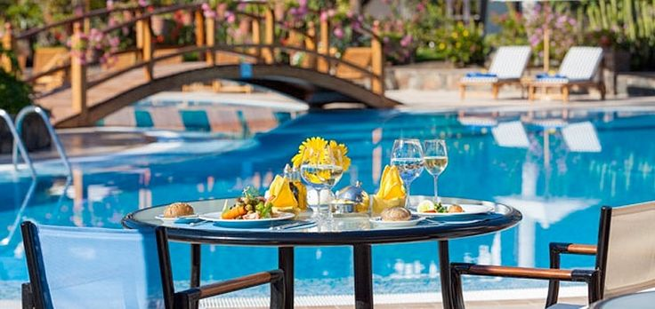 Luxury services at Seaside Grand Hotel Residencia in Maspalomas