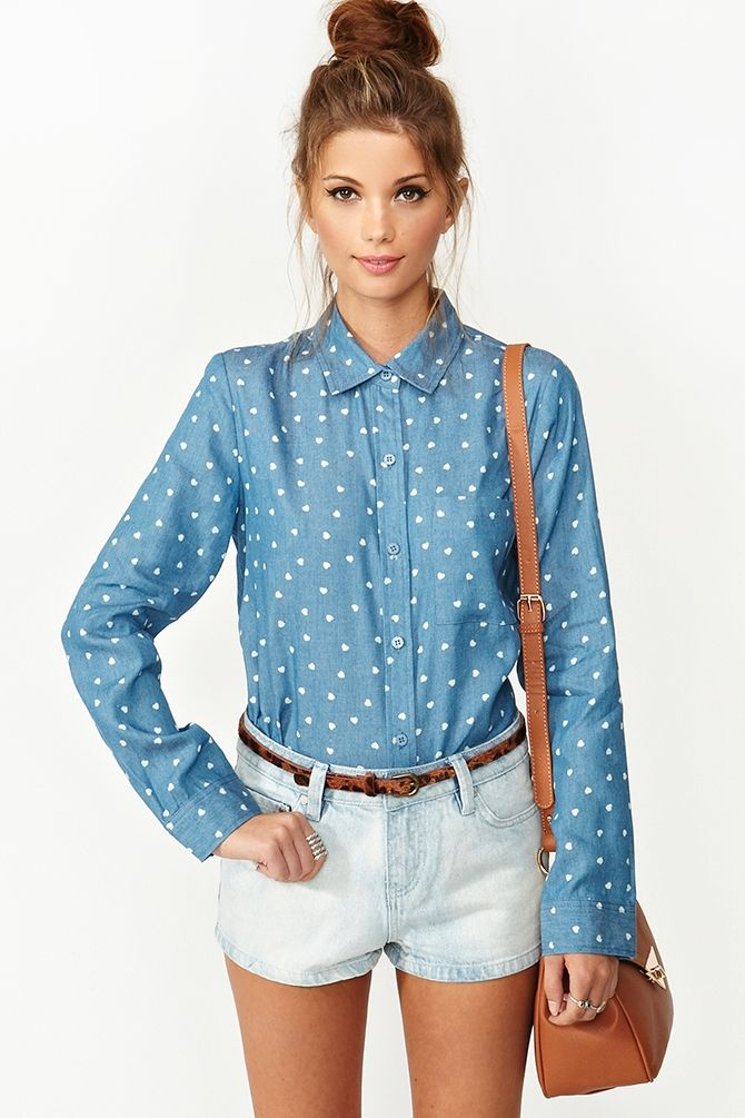 Chambray Heart Shirt: Polka Dots, Fashion Shoes, Summer Outfit, Chambray Heart, Chambray Shirts, Messy Buns, Heart Shirts, Denim Shorts, Hipster Outfit