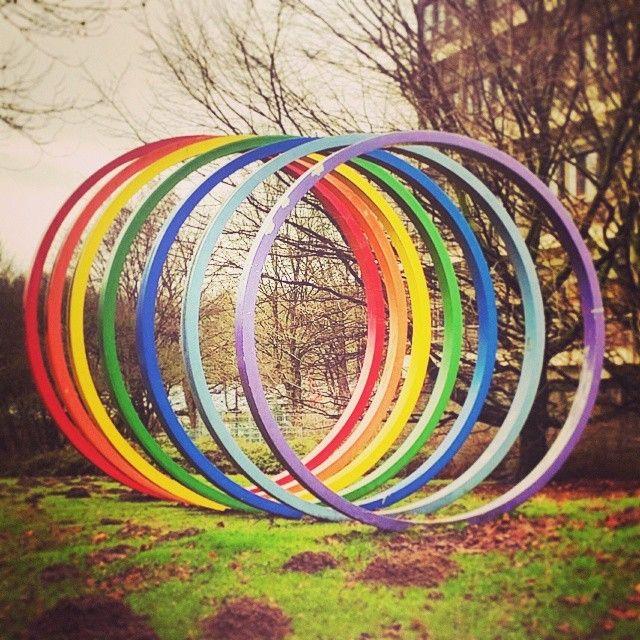 "enjoyana: ""Color Rings Sculpture in der #TUDortmund #Dortmund #Deutschland #Germany #DortmundUni #universität #Alemania #Ruhrgebiet #Ruhrpott #sculpture #colours #architecture #Colores #rainbow..."