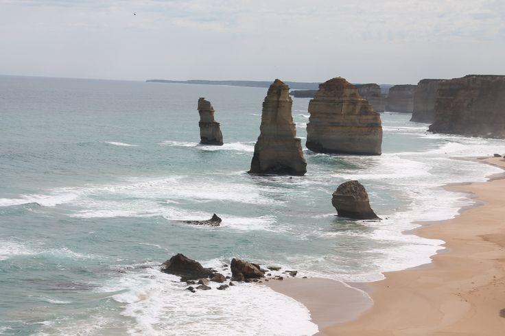 The Twelve Apostles - Victoria , Australia