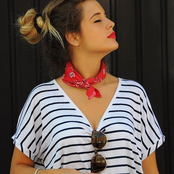 15-colgadas-de-una-percha-anna-duarte-stripes-rayas-bandana-kerchief-pañuelo-atado-al-cuello-handkerchief-knotted-to-the-neck-2