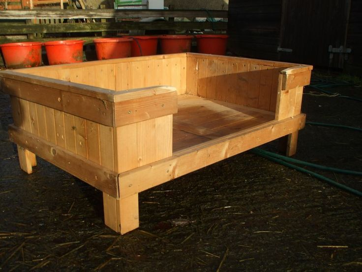 Wooden dog bed google search pets pinterest dog for Build a dog bed of wood