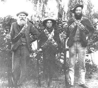 This Day in History: Oct 11, 1899: Boer War begins in South Africa dingeengoete.blogspot.com http://3.bp.blogspot.com/_rFs0uVY_4rE/S1LDQbht5LI/AAAAAAAAHI0/OrsY_N-MQL0/s320/boers-3generations.jpg