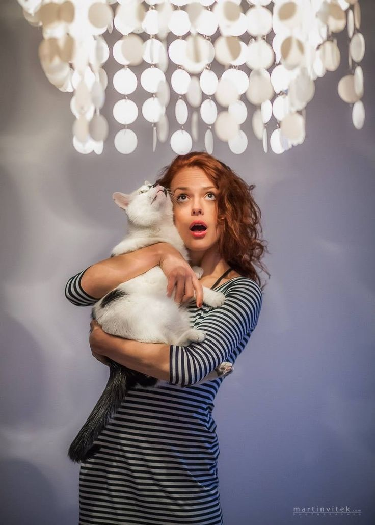 Andrea Kerestešova with her cat Kvik