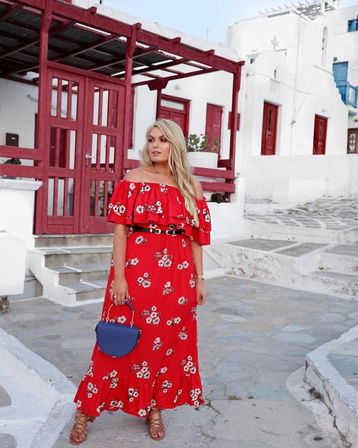 The summer maxi 💃🏼 always a holiday favourite ❤️ This has straps too so it can be worn with any bra or…   Curvy girl fashion, Plus size fashion, Plus size outfits