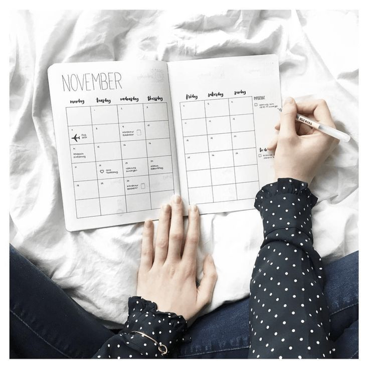 Minimalist ideas... Great travel checklist in a minimal amount of space.  From BulletJournal.com, 2017