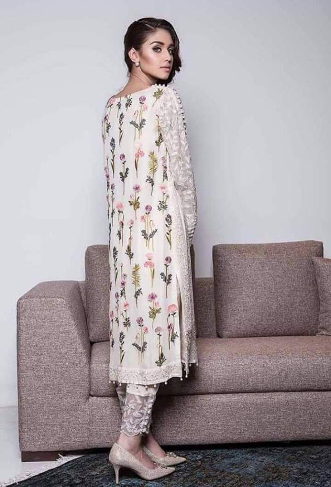 ba3bd4dbd1 Pin by Gurveen Kaur on S in 2019   Pakistan fashion, Pakistani dresses,  Fashion