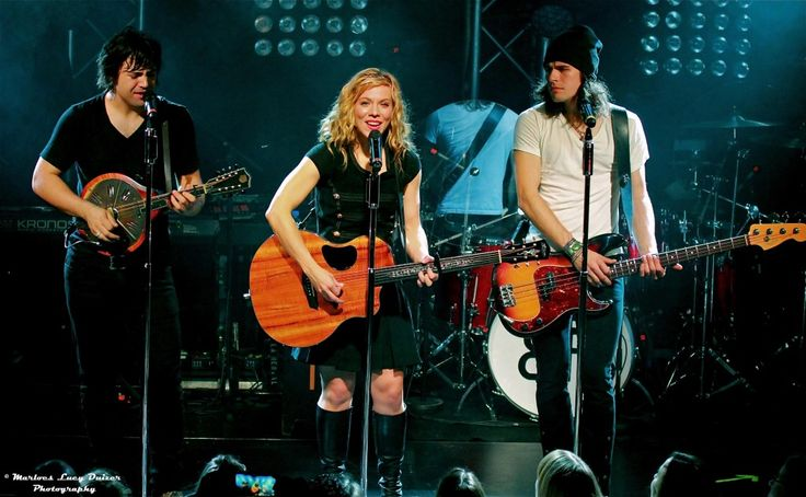 The Band Perry's Exclusive Interview While On Their We Are Pioneers World Tour In Amsterdam, Holland