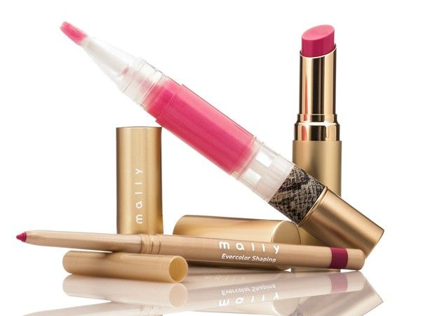 Mally's amazing pen-style lip gloss that both of our (skeptical) editors call their new favorite. And affordable!: Lips Gloss, Bright Pink, Lipsticks Products, Pink Lips, Makeup Bags, Liquid Lipsticks, Perfoi Pink, Malli Beautiful, Lips Kits