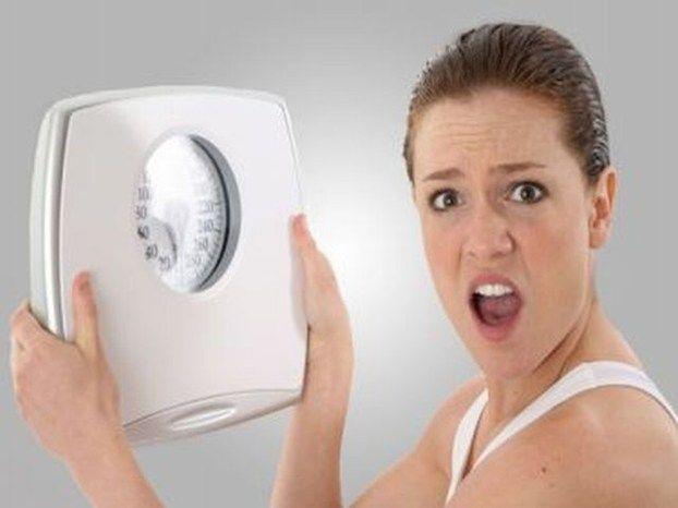 Le 7 cause che provocano un aumento di peso