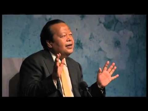 Prem Rawat's Peace message is more than words. He also offers a practical way to experience Peace within.To know more visit: WWW.WOPG.ORG    ¤¤¤   WWW.THEYPI.NET