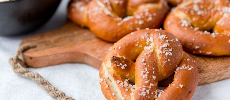 Thermomix Pretzels with cheese dip