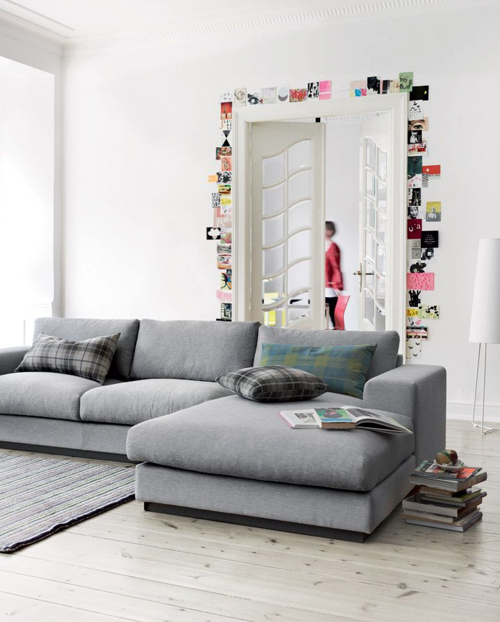 Love the colour of the couch! So into grey right now.