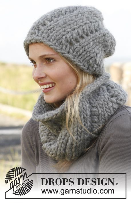 Fashionable, chunky and easy to make hat and cowl. #knit Get started!