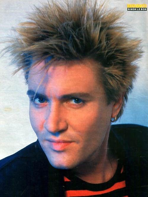 I'd like to run my fingers thru that spiky head of hair...  Just sayin'.