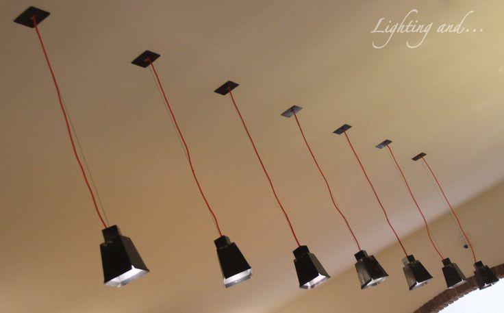 Restaurant illumination by pendant lamps created by Iron. #Luce #light #illumination #illuminazione #lightingand #Luci #effect #effetto #Mad #pizzeria #ristorante #restaurant #interno #interior #architecture #architettura #pendant #sospensione