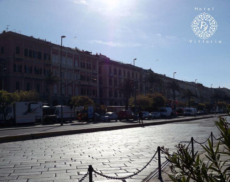 La Via Roma sotto il sole - http://www.hotelbjvittoria.it   #Cagliari #Sardegna
