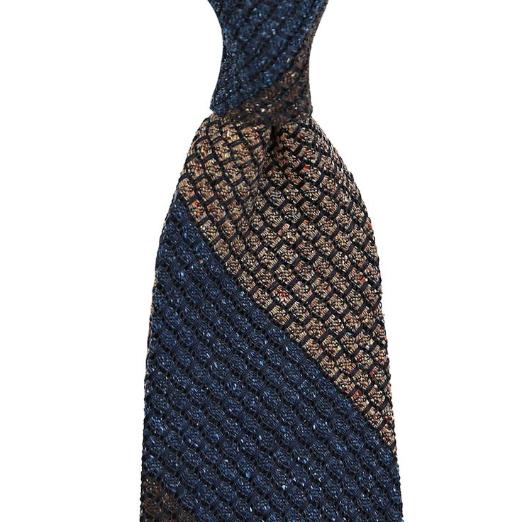 Handmade in Italy Fabric: 50% silk, 50% wool Length: 147cm (= 58 inch) Construction: 3-fold hand rolled Grenadine ties are among our absolute favorites. There are only two weaving mills left in the world which can produce the...
