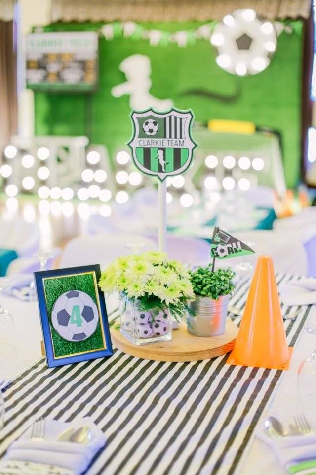 Clarkie S Soccer Themed Party Table Centerpiece Dinner Party Themes Football Theme Party Dinner Centerpieces