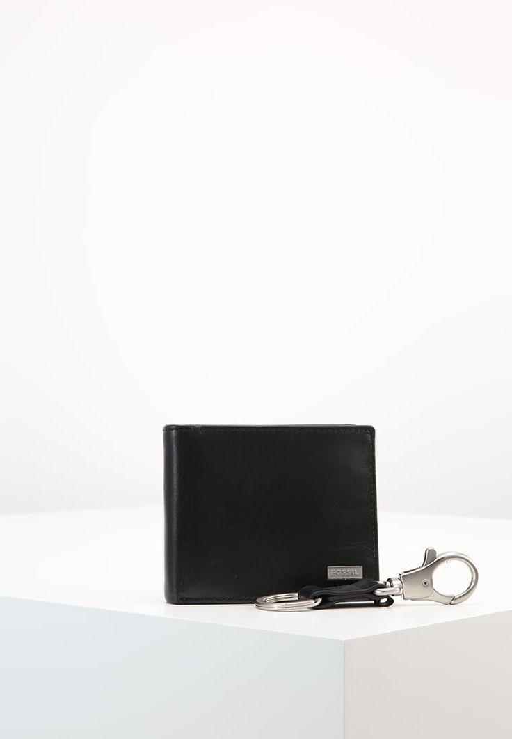 ¡Consigue este tipo de cartera de Fossil ahora! Haz clic para ver los detalles. Envíos gratis a toda España. Fossil WES SET Monedero black: Fossil WES SET Monedero black Complementos   | Complementos ¡Haz tu pedido   y disfruta de gastos de enví-o gratuitos! (purse, wallet, monedero, portamonedas, billetero, billeteros, billetera, billeteras, cartera, carteras, brieftasche, cartera, portefeuille, portafoglio)