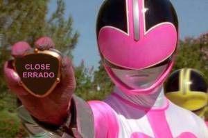 power-ranger-rosa-close-errado