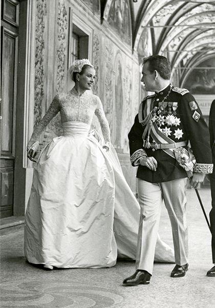 Grace Kelly e il Principe Ranieri di Monaco il giorno del matrimonio