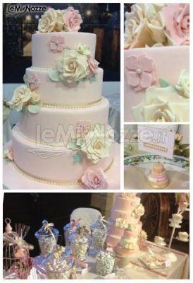 http://www.lemienozze.it/gallerie/torte-nuziali-foto/img36135.html Torta nuziale e dessert table dallo stile romantico