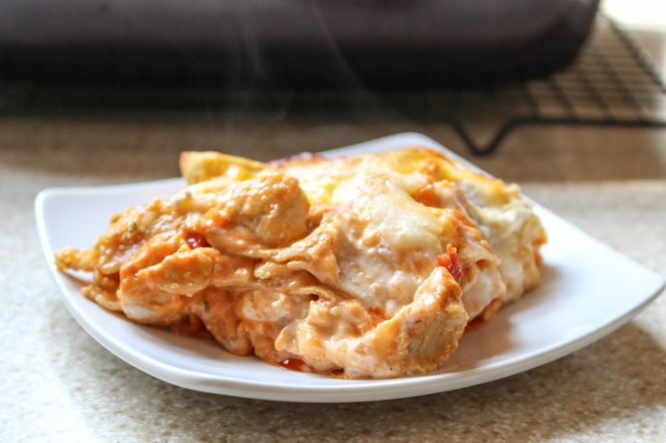 Buffalo Chicken Lasanga...buffalo chicken is my tastebuds' best friend...but not my waistband's!