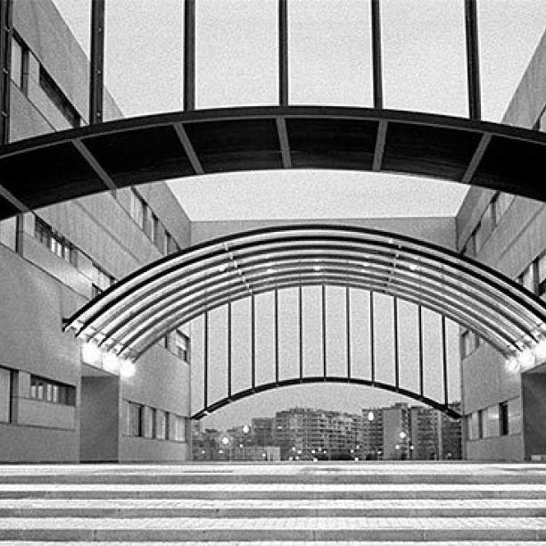 Campus de Móstoles de la Universidad Rey Juan Carlos, (Ciencias Experimentales y Tecnología). Autor: José Fernández Lapuente | #University #Madrid #Technology Check www.plazascience.org