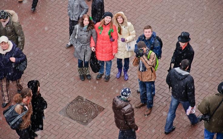 모스크바에서 성 패트릭 데이 축제가 시작된 것은 지난 2005년으로 금년으로 8년째를 맞이하고 있다. 모스크바의 성 패트릭 데이의 하이라이트는 뭐니뭐니해도 구 아르바트 거리의 퍼레이드를 들 수 있다.     금년에도 어김없이 모스크바에서 성 패트릭 데이 퍼레이드가 열렸다. 그 현장을 이미지로 만나보자.     http://russiainfo.co.kr/1864