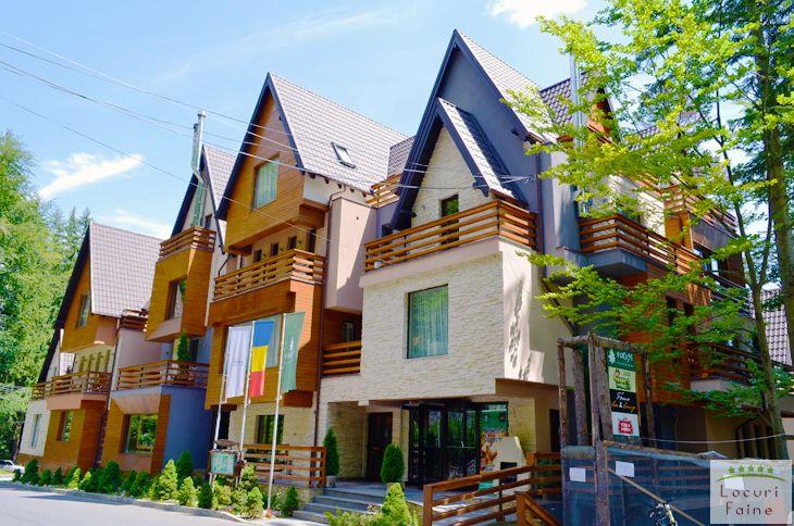 Ioana Hotels este unul dintre putinele (inca) locuri din Romania ce a atins maturitatea in ceea ce priveste profesionalismul si clasa serviciilor oferite. Este unul dintre hotelurile care ar putea reprezenta cu succes turismul romanesc in afara granitelor tarii. Calatorie faina va dorim!
