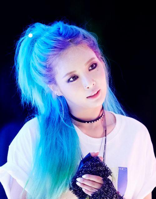 Hyuna blue hair