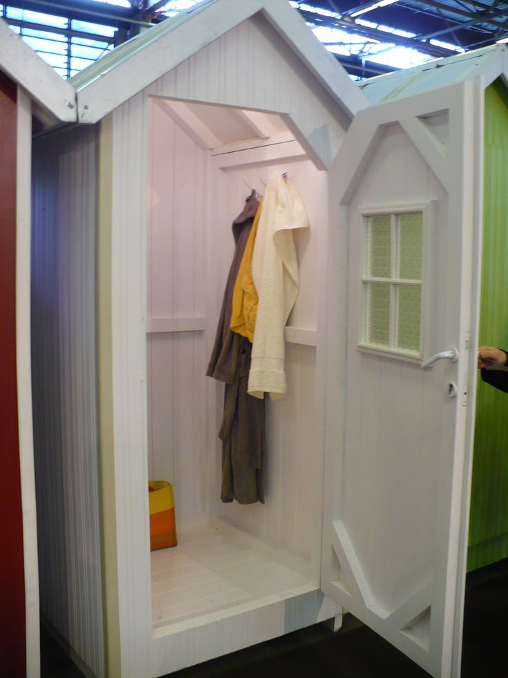 narrow single-use Mistral cabins are a charming foil for an outdoor shower or toilet, a covered room for your garbage can, as a dressing room or as a compact garden shed.