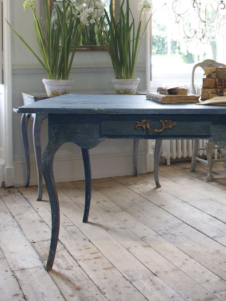 75 best painted desks and bookcases ideas images on for New england style desk