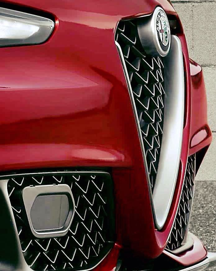 New edge #alfaromeo giulia #italiandesign